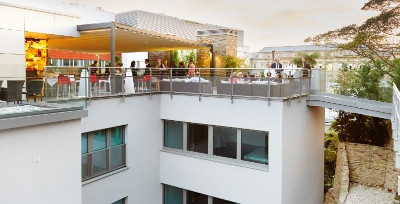 Rooftop Bar, Retractable Awning Roof